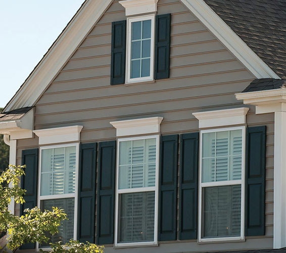 Vinyl Siding vs. Wood Siding: What's the Difference?