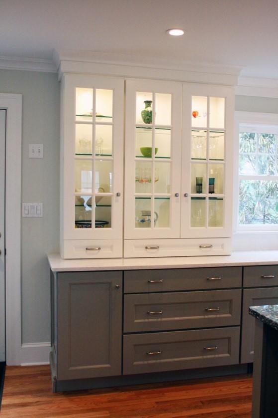 Create A Modern Kitchen With Dark Kitchen Cabinets Dark Bottom Light Top 2 Kelly Fradet