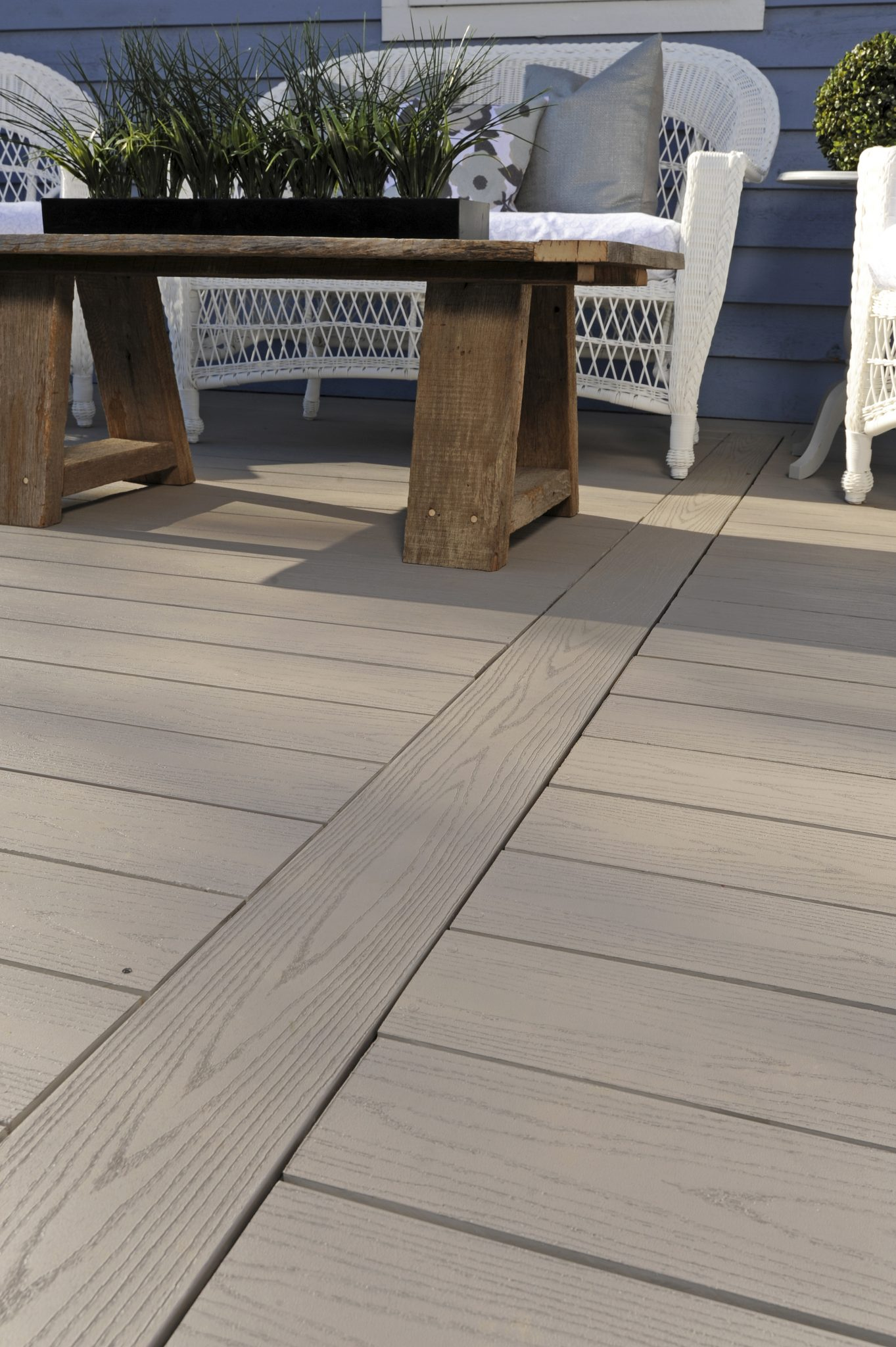 AZEK Capped Polymer Composite Decking vs. Wood – Which is Better?