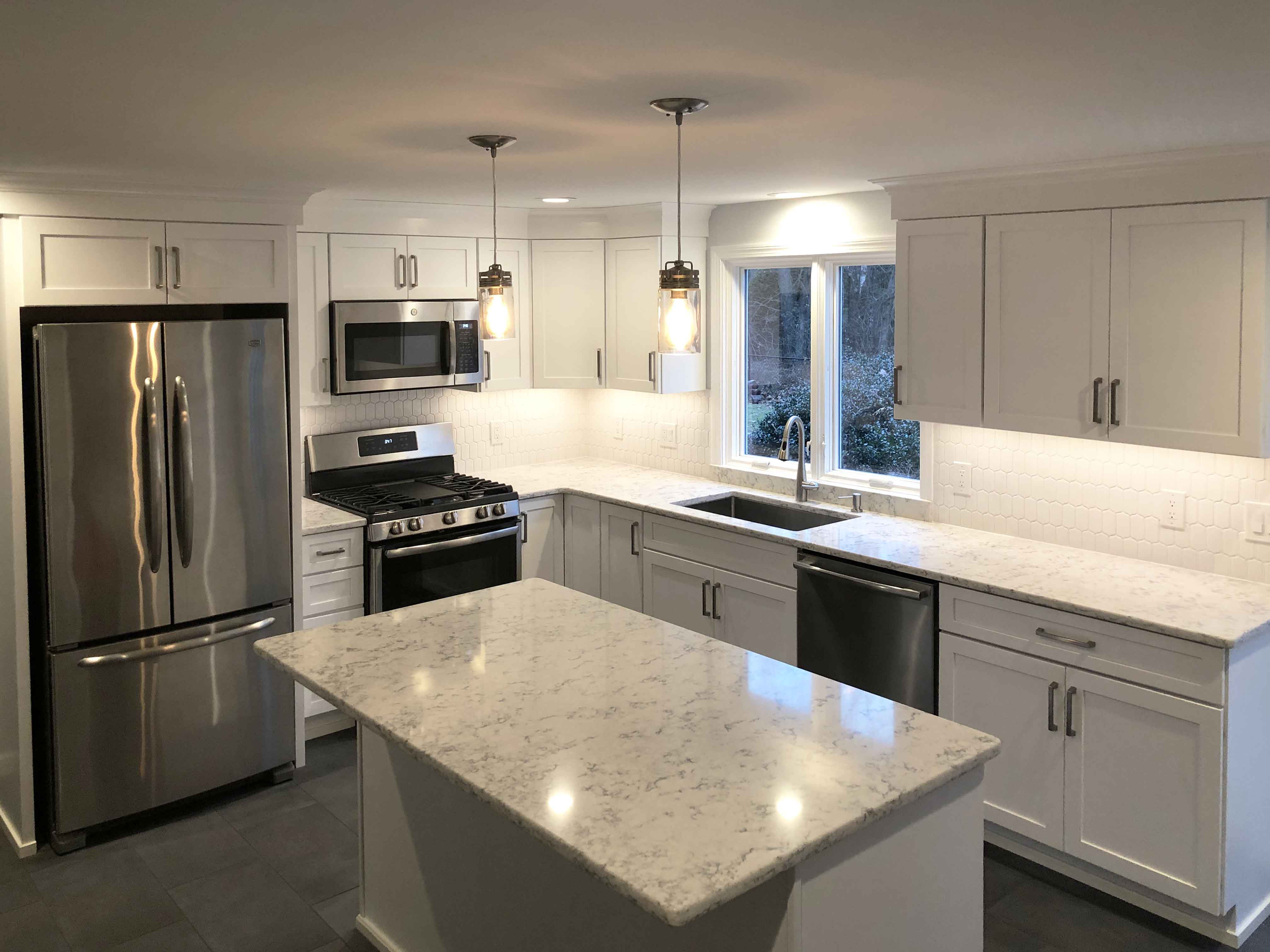 Legacy Construction installs a Medallion Kitchen in Longmeadow, MA