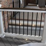 Trex Railing Select in White with Aluminum Round Black balusters and Trex Spiced Rum 2×4 top rail