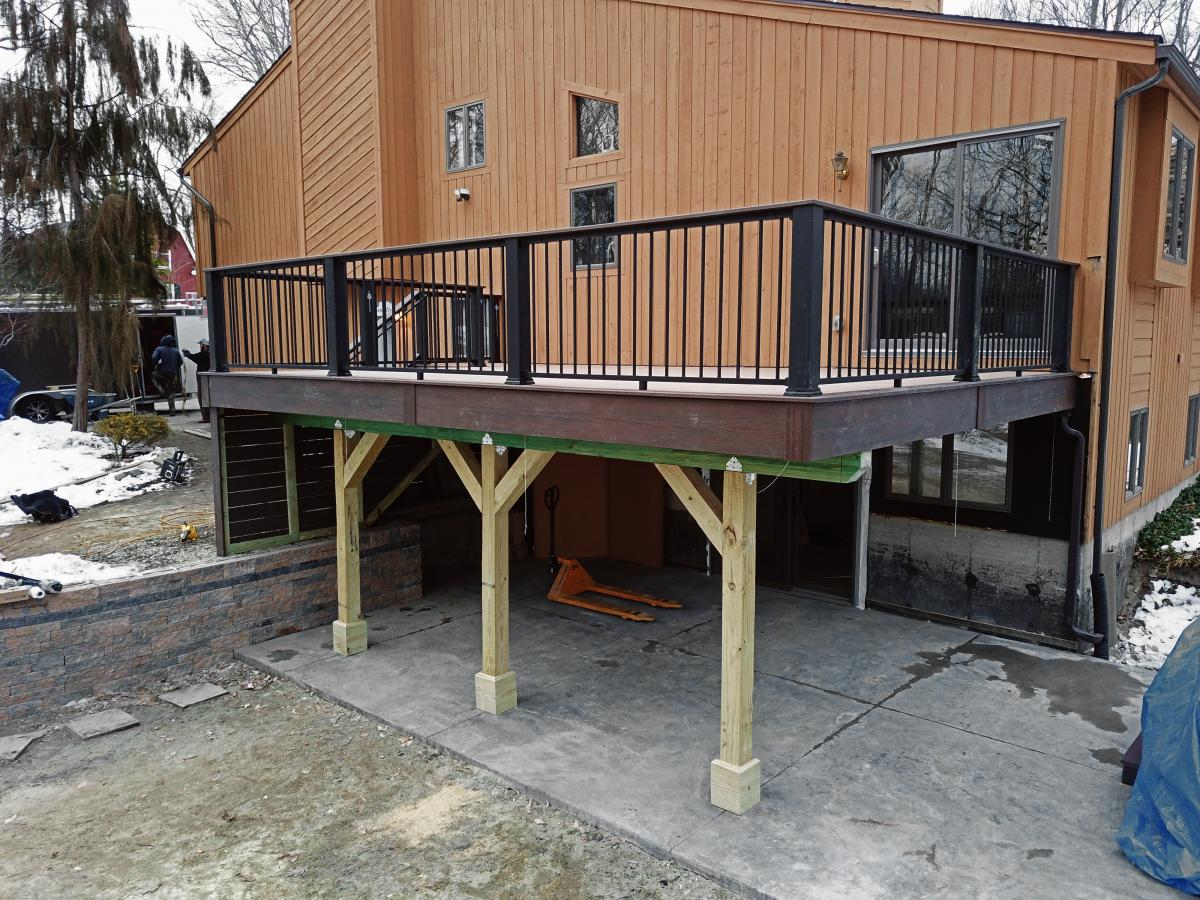 Regan Total Construction builds a new elevated Trex deck in Columbia, CT