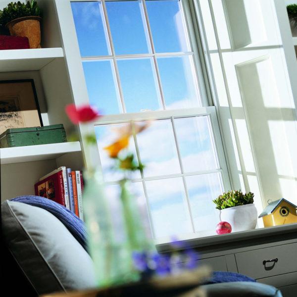 200 SERIES TILT-WASH DOUBLE-HUNG WINDOWS