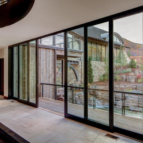 SIGNATURE ULTIMATE LIFT AND SLIDE DOOR